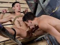 Jaw-Dropping Jerk Gets The Splooge - Xavier Sibley & Jerk Taylor